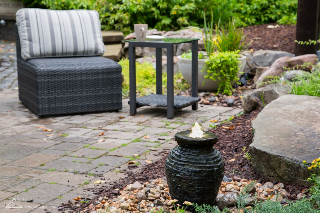 Mini Stacked Slate Urn Fountain_01